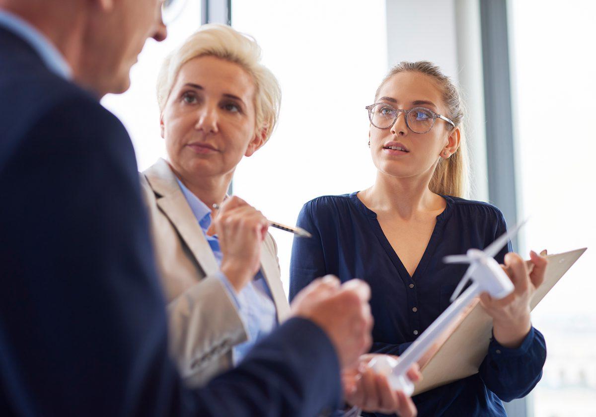 Co to jest firma PR i czym się zajmują?
