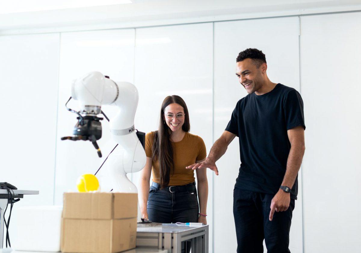 Jak zacząć z robotyką i przejść na wyższy poziom ze swoją firmą?