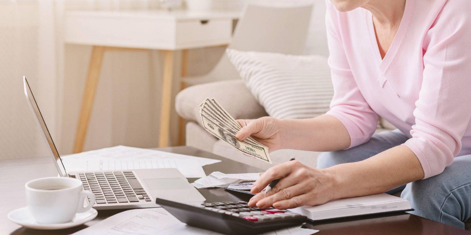 Jak wydawać mniej na zakupach? Porady dla oszczędnych