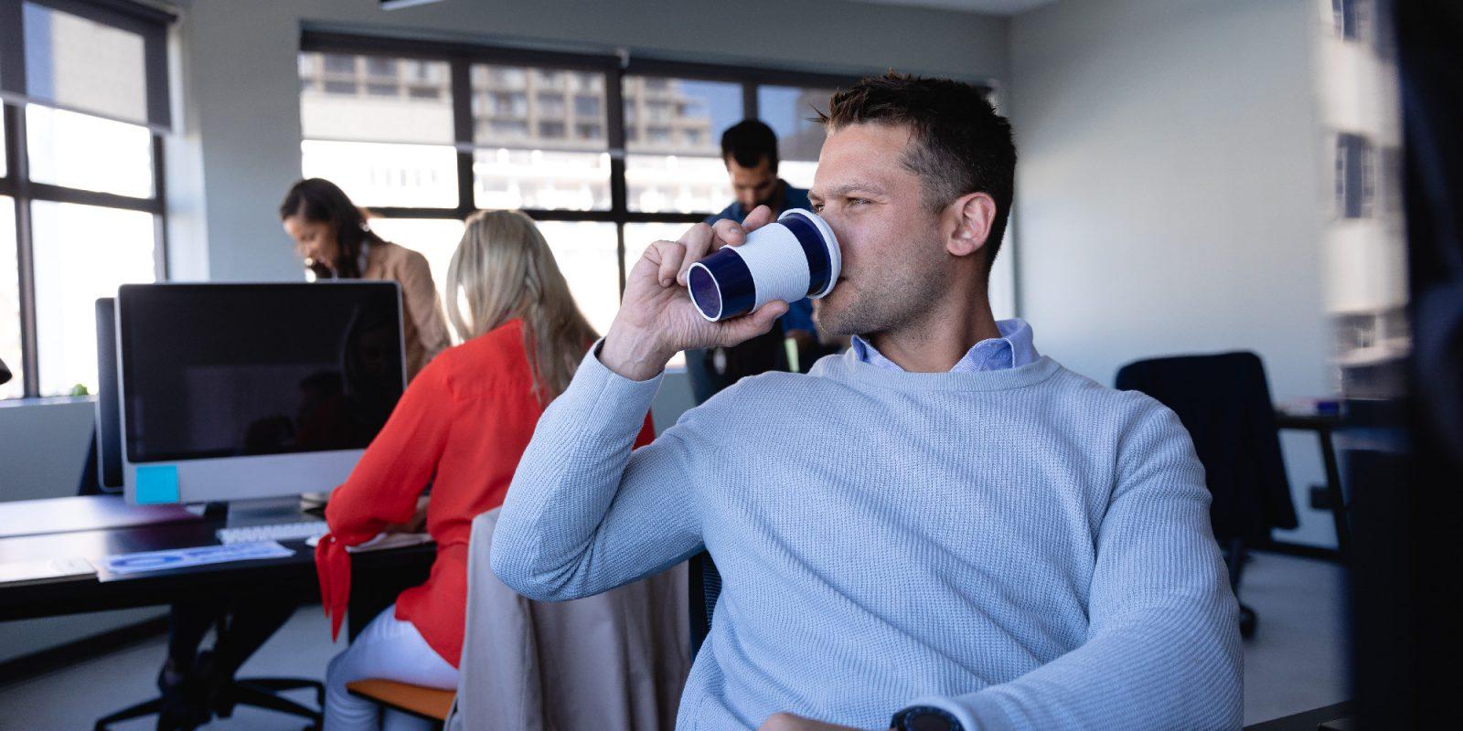 Kawa w firmie – jaki ekspres do biura wybrać?