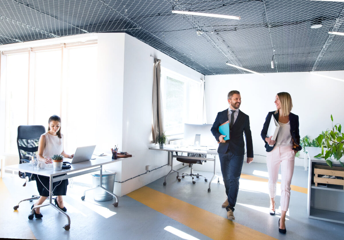 Jak wybrać dobry internet do biura? 3 kluczowe kwestie